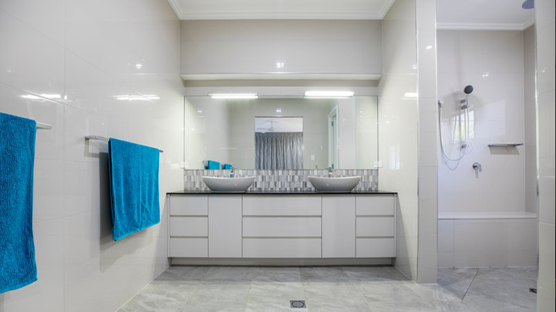 white-bathroom-interior
